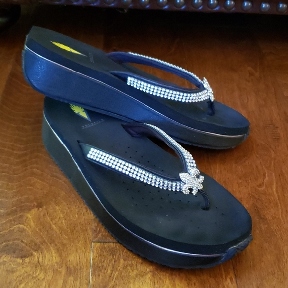 Volatile Thong Sandals, Size 9.